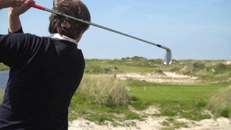 Bij Golfbaan De Texelse sla je een balletje in de natuur
