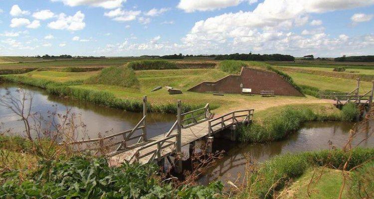 VOC en Texel - brug naar het fort