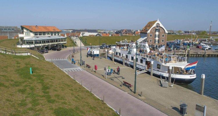 In Oudeschild bevindt zich de waddenhaven van Texel